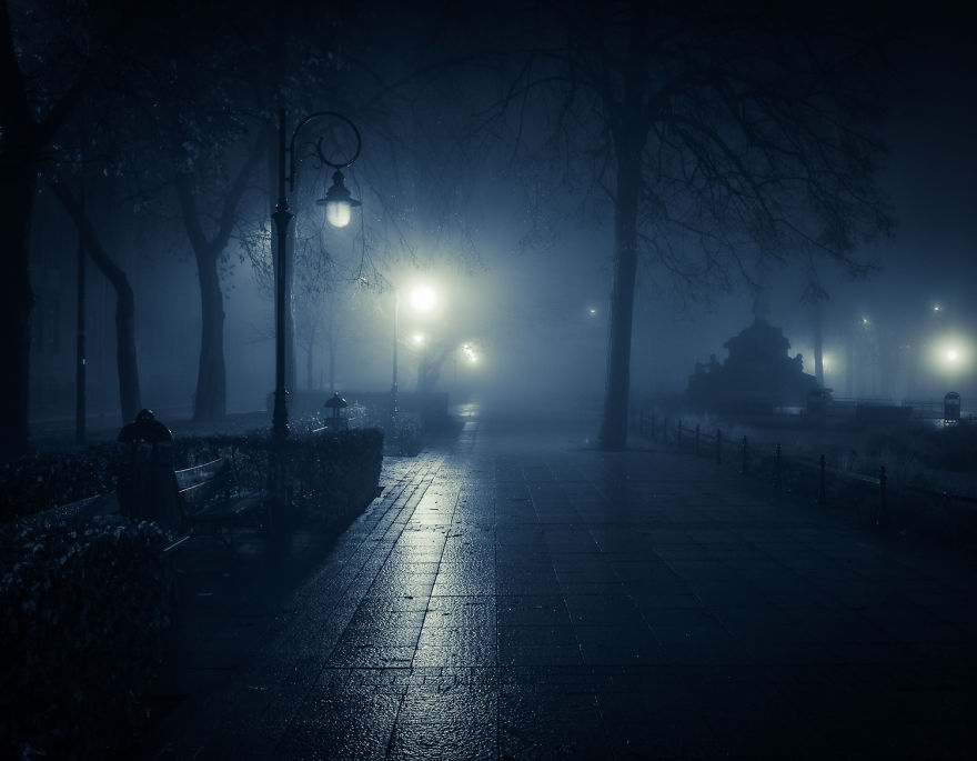 妖しく、美しく、ミステリアスな夜