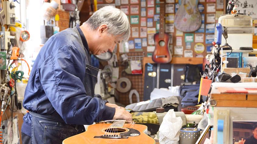 世界中のアーティストに愛される「ヤイリギター」が出来るまで。