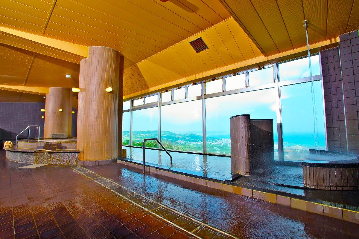 沖縄には、猿じゃなくて「猿人」の温泉があるらしい