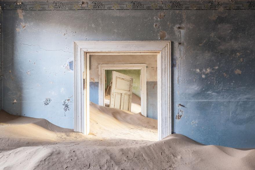 「廃墟」は砂漠だとこうなる