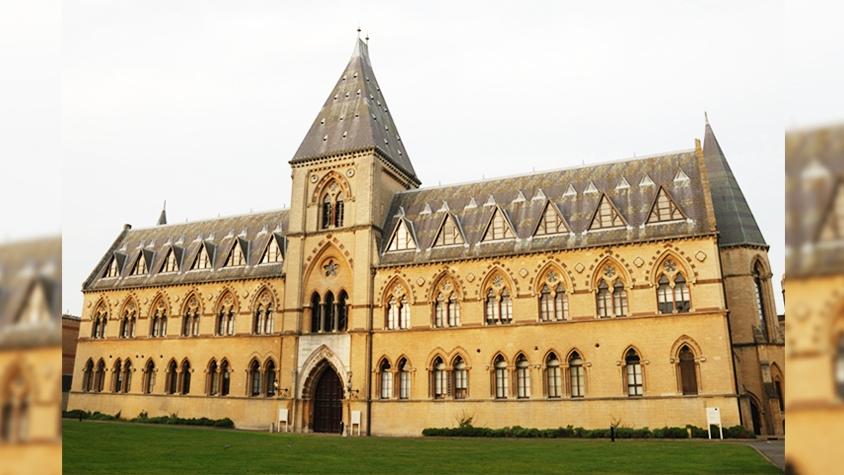 オックスフォード大学、難民25人をガイドとして雇用