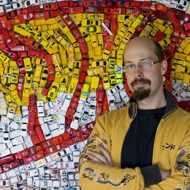 ミニカーのモザイク画 Kevin Champeny