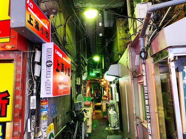 新宿の路地