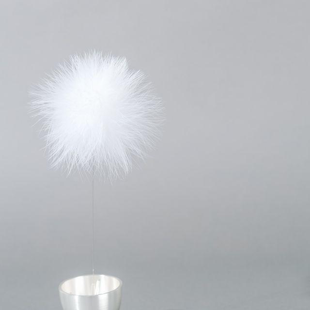 たんぽぽの綿毛のようなかわいい「置き型風鈴」。富山・高岡鋳物の真鍮製