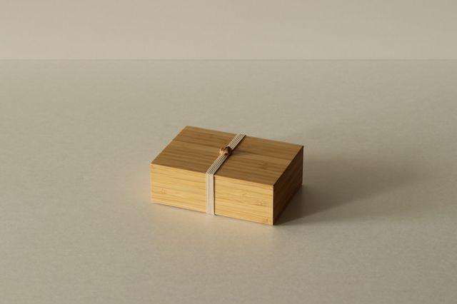 料理を一層美味しく見せる、公長斎小菅の「竹」の一段お弁当箱