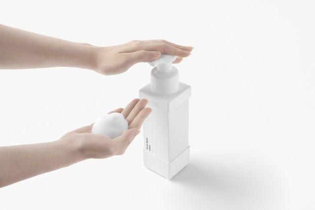 carton + pump 泡を出すイメージ
